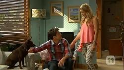 Bossy, Chris Pappas, Georgia Brooks in Neighbours Episode 6866