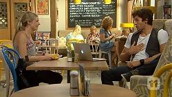 Amber Turner, Rick Blaine in Neighbours Episode 6866