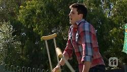 Chris Pappas in Neighbours Episode 6866