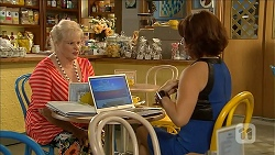 Sheila Canning, Naomi Canning in Neighbours Episode 6867