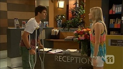 Josh Willis, Amber Turner in Neighbours Episode 6868