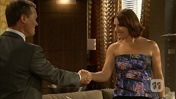Paul Robinson, Naomi Canning in Neighbours Episode 6869