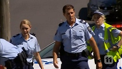 Snr. Const. Kelly Merolli, Matt Turner in Neighbours Episode 6869