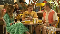 Sonya Mitchell, Callum Jones, Toadie Rebecchi in Neighbours Episode 6870