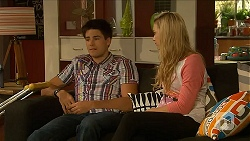 Chris Pappas, Georgia Brooks in Neighbours Episode 6873