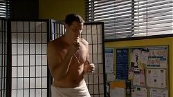 Matt Turner in Neighbours Episode 6874