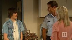 Bailey Turner, Matt Turner, Lauren Turner in Neighbours Episode 6875