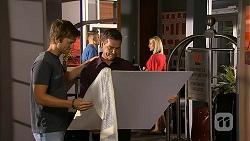 Daniel Robinson, Paul Robinson in Neighbours Episode 6875
