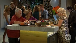 Lou Carpenter, Terese Willis, Sheila Canning in Neighbours Episode 6875