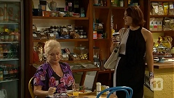 Sheila Canning, Naomi Canning in Neighbours Episode 6876