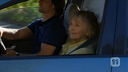 Brad Willis, Pam Willis in Neighbours Episode 6876