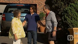 Pam Willis, Brad Willis, Karl Kennedy in Neighbours Episode 6876