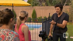 Sonya Rebecchi, Amber Turner, Rick Blaine in Neighbours Episode 6876
