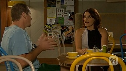 Toadie Rebecchi, Naomi Canning in Neighbours Episode 6877
