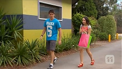 Chris Pappas, Imogen Willis in Neighbours Episode 6878
