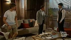 Daniel Robinson, Paul Robinson, Lassiters Staffer in Neighbours Episode 6878