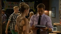 Amber Turner, Josh Willis in Neighbours Episode 6879