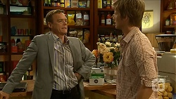 Paul Robinson, Daniel Robinson in Neighbours Episode 6880