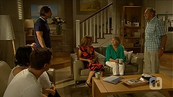 Imogen Willis, Josh Willis, Brad Willis, Terese Willis, Pam Willis, Doug Willis in Neighbours Episode 6880