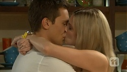 Josh Willis, Amber Turner in Neighbours Episode 6880