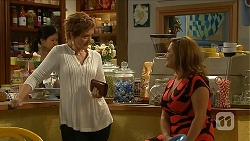 Susan Kennedy, Terese Willis in Neighbours Episode 6881