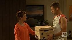 Susan Kennedy, Mark Brennan in Neighbours Episode 6882