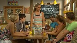 Josie Mackay, Bailey Turner, Georgia Brooks, Josie Lamb, Callum Jones in Neighbours Episode 6885