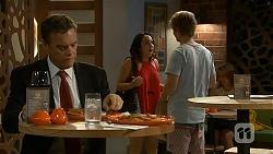 Paul Robinson, Imogen Willis, Daniel Robinson in Neighbours Episode 6888