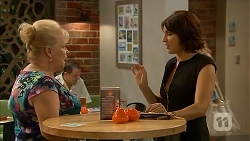 Sheila Canning, Naomi Canning in Neighbours Episode 6889