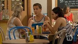 Amber Turner, Josh Willis, Imogen Willis in Neighbours Episode 6889