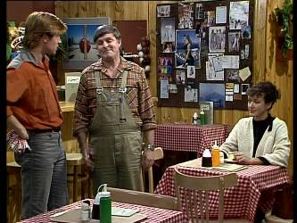 Clive Gibbons, Tom Ramsay, Jean Richards in Neighbours Episode 0291