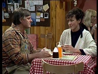 Tom Ramsay, Jean Richards in Neighbours Episode 0291