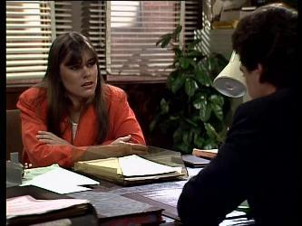 Zoe Davis, Paul Robinson in Neighbours Episode 0291