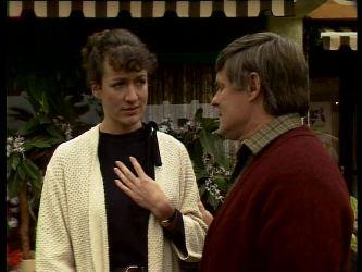 Jean Richards, Tom Ramsay in Neighbours Episode 0292