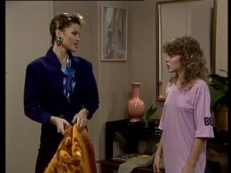 Daphne Lawrence, Charlene Mitchell in Neighbours Episode 0292