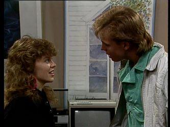 Charlene Mitchell, Scott Robinson in Neighbours Episode 0293