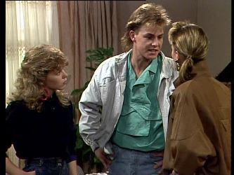 Charlene Mitchell, Scott Robinson, Cassie Campbell in Neighbours Episode 0293