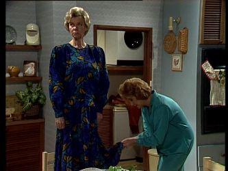 Helen Daniels, Madge Mitchell in Neighbours Episode 0293