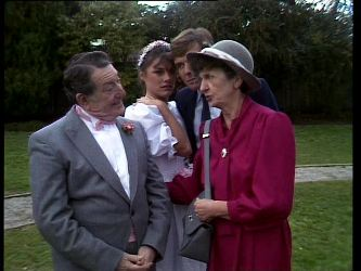 Harry Henderson, Zoe Davis, Tony Chapman, Nell Mangel in Neighbours Episode 0296
