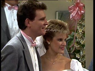Des Clarke, Daphne Clarke in Neighbours Episode 0296