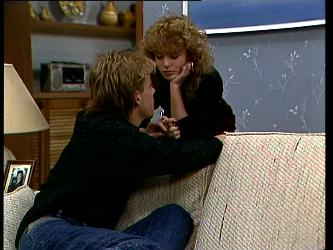 Scott Robinson, Charlene Mitchell in Neighbours Episode 0296