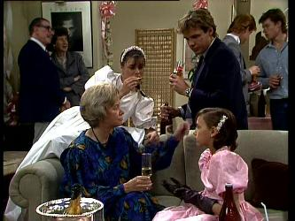 Helen Daniels, Zoe Davis, Tony Chapman, Lucy Robinson in Neighbours Episode 0296