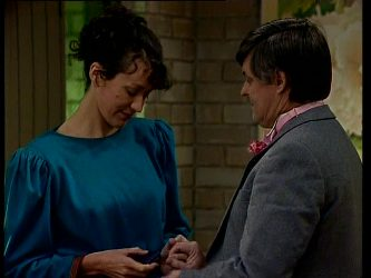 Jean Richards, Tom Ramsay in Neighbours Episode 0296