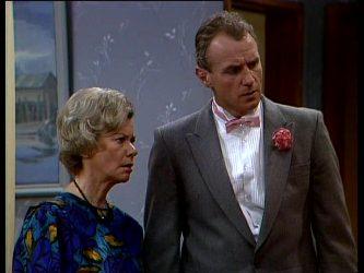 Helen Daniels, Jim Robinson in Neighbours Episode 0297