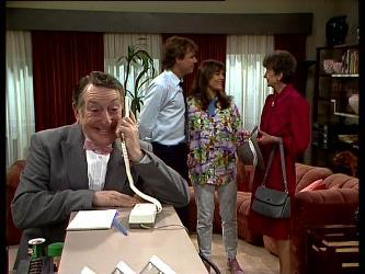 Harry Henderson, Tony Chapman, Zoe Davis, Nell Mangel in Neighbours Episode 0297
