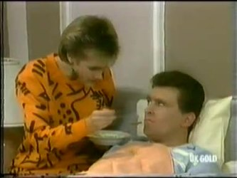 Daphne Clarke, Des Clarke in Neighbours Episode 0299