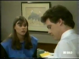 Zoe Davis, Paul Robinson in Neighbours Episode 0299