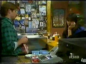 Clive Gibbons, Zoe Davis in Neighbours Episode 0300