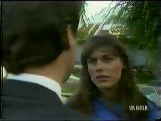 Paul Robinson, Zoe Davis in Neighbours Episode 0300