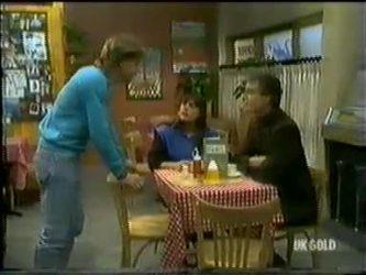 Scott Robinson, Zoe Davis, Graham Gibbons in Neighbours Episode 0300
